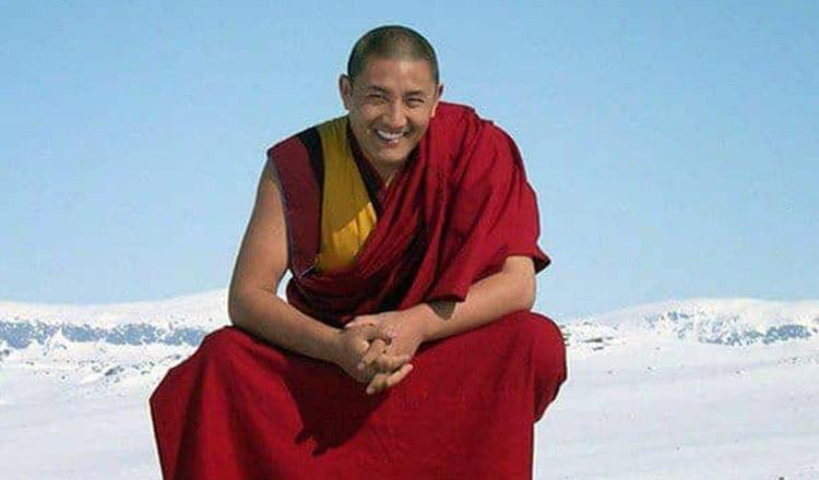 """Medic tibetan: """"Frica este dusmanul inimii omului, pentru ca iti este imposibil sa fii fericit cand iti este teama…"""""""